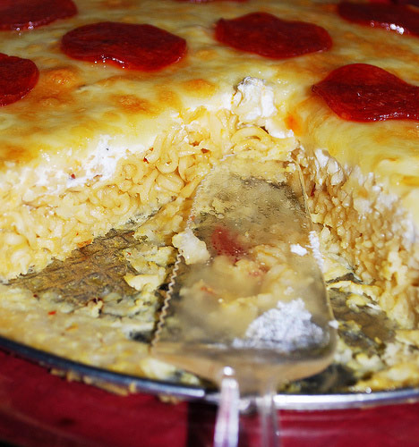 Ramen Pizza like they DON'T Serve in Prison